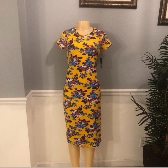 Special One Sz M Women Floral Dress NWT!!